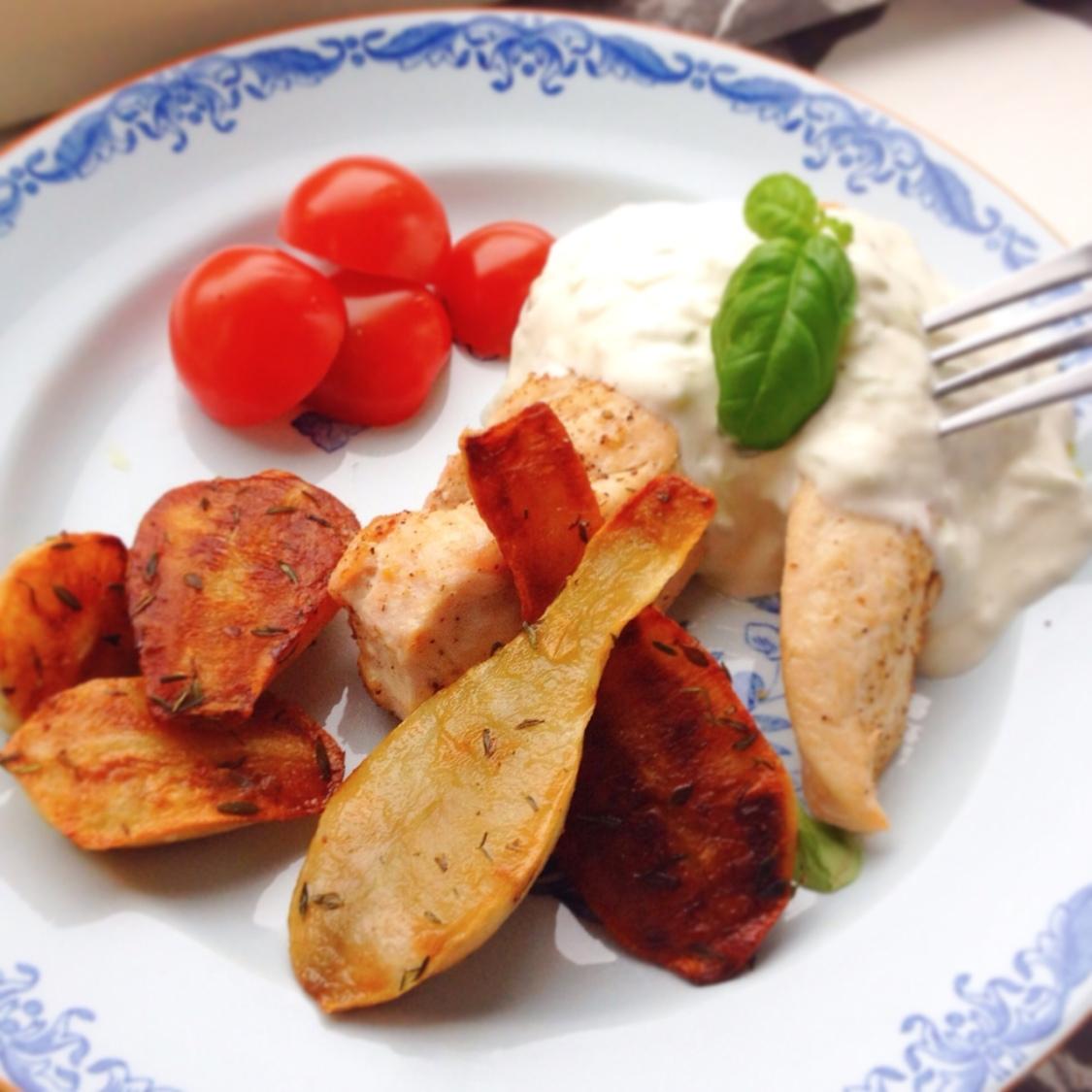 Ugnsbakade jordärtskockor med kyckling och tzatziki